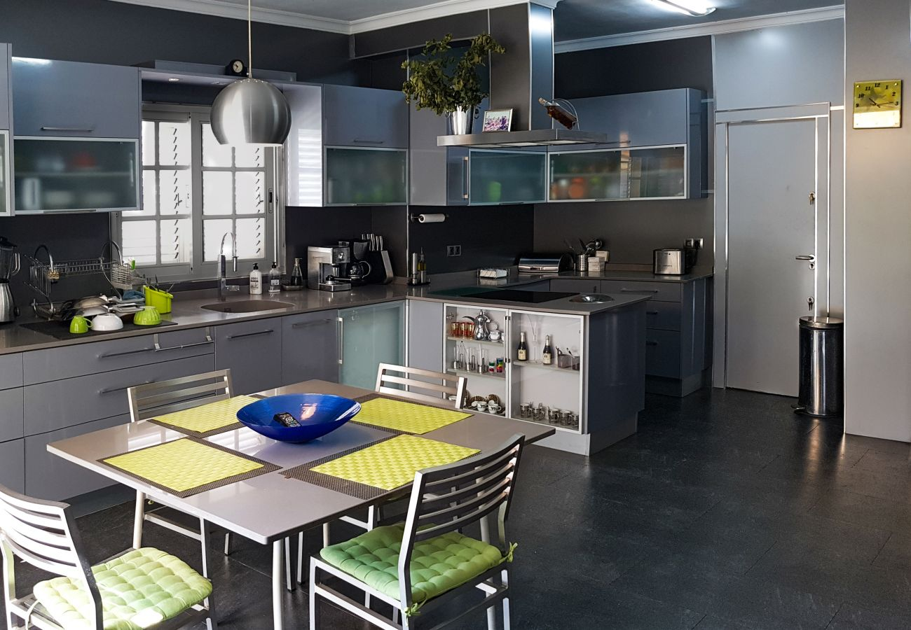 Villa in Torrent - LUJOSO CHALET MONTE REAL