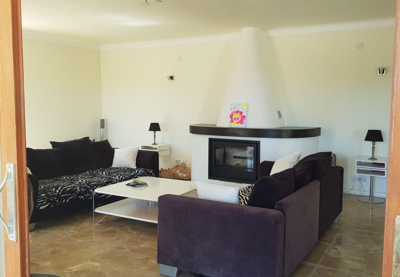 Villa/Dettached house in Benissa - PRECIOSA VILLA EN FUSTERA